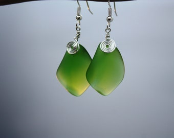 Green Sea Glass Earrings, Emerald Seaglass Earrings, Sea Glass Jewelry Beach Glass Earrings Beach Jewelry Seaglass Jewelry Ocean Jewelry 079