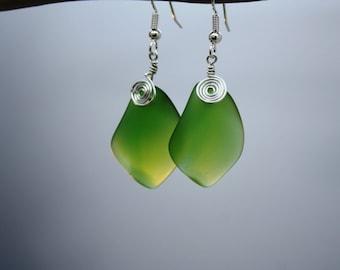 Green Sea Glass Earrings, Emerald Seaglass Earrings, Sea Glass Jewelry Beach Glass Earrings Beach Jewelry Seaglass Jewelry Ocean Jewelry 079