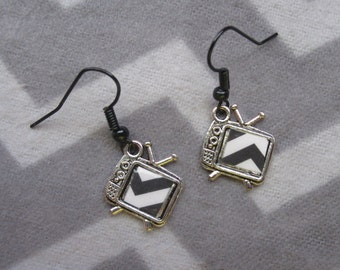 Black Lodge TV earrings, inspired by Twin Peaks. Featuring altered charms & sealed chevron paper.