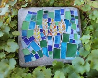 Outdoor mosaic art - Yellow flower
