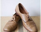 Vintage Handmade Oxfords. Women's Leather Shoes Handcrafted by the Cordwainer in Deerfield NH. Size 7 / 7.5