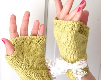 Spring Green Floral Bow Organic Cotton Fingerless Gloves