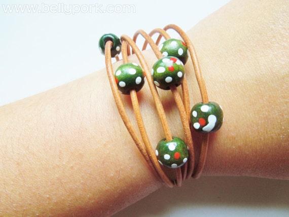 Beaded bracelet,beaded cuff,leather bracelet,leather cuff,natural leather cuff,wooden bracelet,wooden cuff,brown leather cuff,beads bracelet