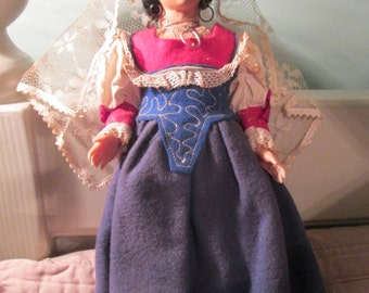 Vintage Costume Doll / Magis Roma Cloth Doll / Hand Painted Veil Doll Italy