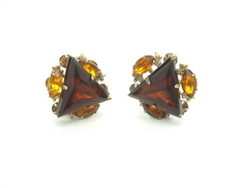 Triangle Earrings. Fleur de Lis. Smoky Topaz Rhinestones. Brown, Amber. Signed Beau Jewels. Clip On. Vintage 1950s Rhinestone Jewelry.