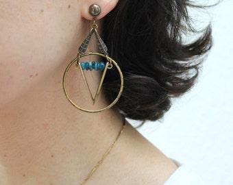 Venustas Apatite statement V earrings