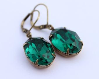 Swarovski Emerald Green earrings, Swarovski earrings, Emerald earrings, oval earrings, Bridesmaid earrings, wedding jewelry, emerald ST01