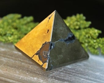 PYRITE CRYSTAL PYRAMID, Fools Gold, Natural Gemstone, Metaphysical, Crystal Healing, Sacred Geometry, Meditation, Crystal Grids, Magick