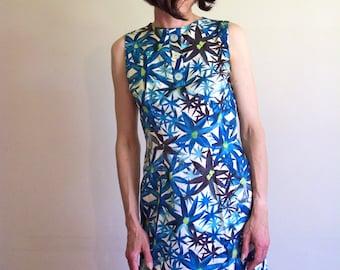 Vintage 60s Blue Tropical Floral Pattern Shift Dress for Summer
