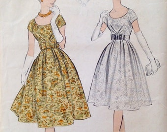 "Vintage 1960s Advance Misses' Dress Pattern 8935 Size 12 (32"" Bust)"