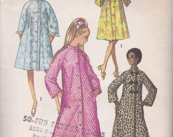 Girls Vintage Robe or Housecoat Pattern Simplicity 9074 Size 14