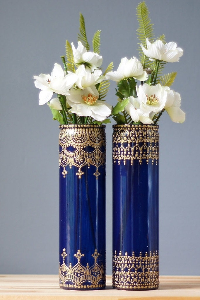 henna style cobalt blue glass bud vases with bohemian designs. Black Bedroom Furniture Sets. Home Design Ideas