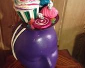 Death by Candy: Cupcake, Lollipop, Hard Candy, Mini Sugar Skulls, Meringue, Gummies glitter fascinator