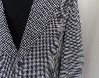 Vintage mens sport coat, sportsjacket, blazer, 70s check checkered plaid houndstooth, grey burgundy dark green