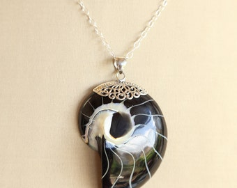 Sea and ocean inspired nautilus shell pendant, huge black and white pendant, sterling silver filigree decoration, beautiful beach jewelry