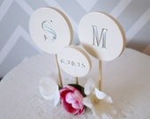 PERSONALIZED Modern Circle Wedding Cake Topper with Initials and Wedding Date