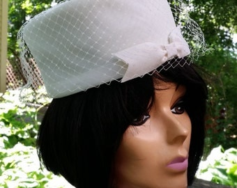 Vintage Pillbox Hat -- White with Bow and Veil, Perfect for Wedding