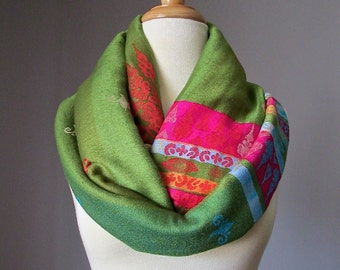 Pashmina infinity scarf, Green infinity scarf, tribal scarf,  chunky winter scarf, handmade scarf