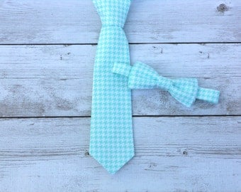 Ring bearer tie, wedding tie for boys, boys wedding outfit, mint bow tie, mint groomsmen bow ties, toddler wedding outfit, little boy tie