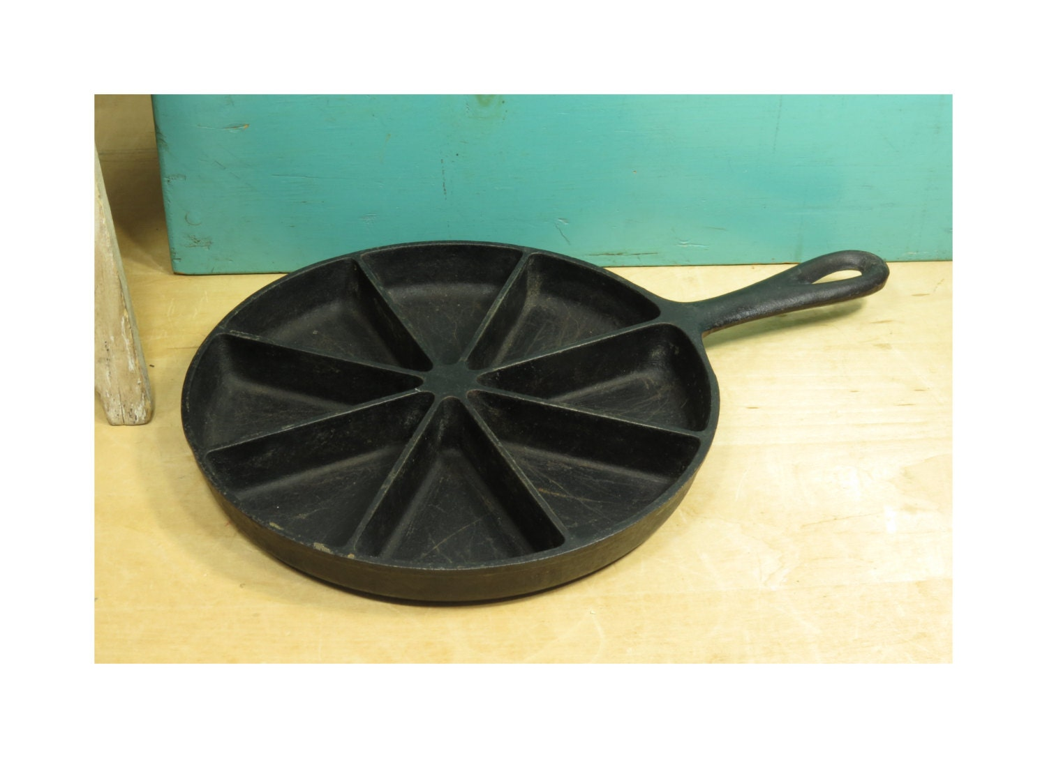 Cast Iron Corn Bread Skillet Birmingham by 13thStreetEmporium