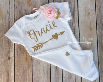 Personalized bodysuit & Headband, Gold glitter take home outfit, Coming Home outfit, Newborn bodysuit, Gold newborn outfit, baby girl outfit