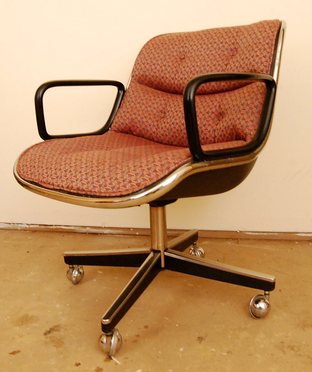 mid century modern swivel desk chair by charles pollock for. Black Bedroom Furniture Sets. Home Design Ideas