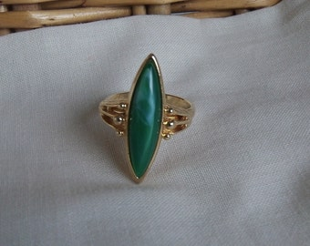 Sarah Coventry Sea Swept Adjustable Ring 5717    Vintage, Green, Golden