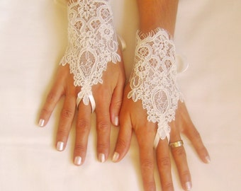 ivory Wedding Glove, ivory lace gloves, Fingerless Glove,  FREE SHIP 0031