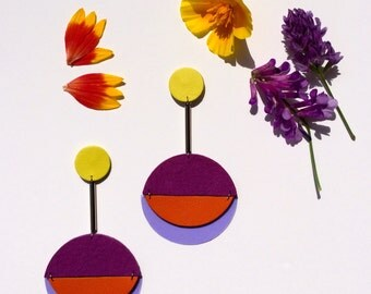 Sputnik suede / leather and plastic earrings in violet, orange and yellow