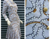 Womens Vintage Retro 1980s Powder Blue Pearl Gold Chain Print Point Collar Trumpet Skirt Shift Midi Dress Large
