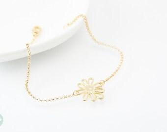 Daisy charm bracelet, daisy bracelet, gold bracelet, charm bracelet, gold chain bracelet, cute bracelet, friendship bracelet, gold chain