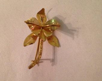 Vintage 18K Yellow Gold Flower Pin Brooch