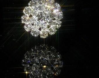 10 x Round Crystal Diamante Embellishment 20 Rhinestones Around 1 Large Stone (EM13)