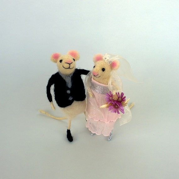mice wedding cake toppers felt wedding mice wedding cake topper mouse groom and 17333