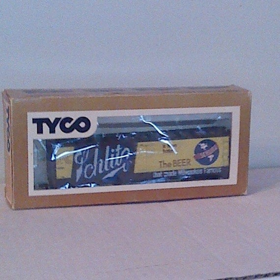 Ho Tyco Schlitz Beer Reefer Billboard Box Car With Box
