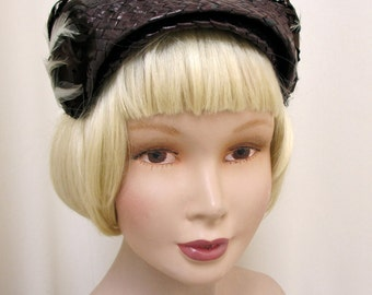 Vintage 1950's 50's Dark Brown Raffia Brown And Cream Feather Jacoll Hat Headpiece