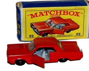 1960s Matchbox 22 Pontiac Coupe in Box