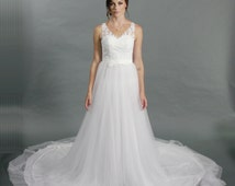 V-neck lace top tulle bottom a-line chapel train wedding dress
