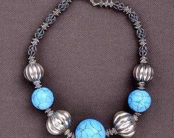 Turquoise and silver bead necklace: