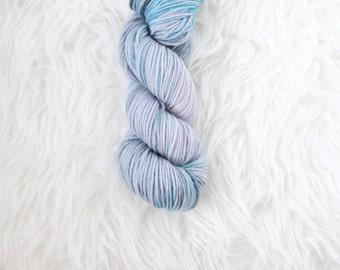 north star - worsted weight yarn - 100% superwash merino