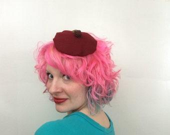 Red Mini Beret with Raspberry detail, Berry fascinator, beret fascinator, kitsch, Photo prop, Novelty Fascinator, Pin Up, Rockabilly