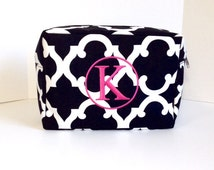Monogrammed Black Makeup Bag, Black and White Makeup Bag, Personalized Cosmetic Bag, Cosmetic Pouches, Bridesmaids Gifts, Bridal Shower Gift