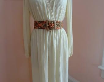 Vintage 1970's Cream Long Sleeved Dress