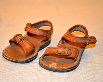Darling, very old, baby or toddler leather sandals. Full of patina and charm.