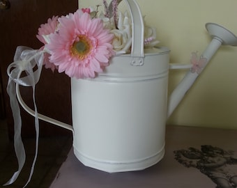 Shabby Chic/Country Chic Tin Watering Can