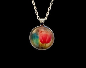 Red Tulip round glass pendant necklace (ACC12-D1)