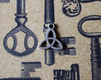 10 Celtic Triquetra Charms - Silver Toned Charms - Simple Solid Triquetra - Wiccan - Pagan -Religious - Celtic- 13mm x 15mm