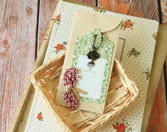 TREE Vintage Style Metal Charm & Scallop Gift Tag