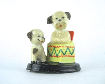 sweetest SURPRISE, vintage 1950s porcelain figurine - 2 brown puppies, HAPPY BIRTHDAY, gift box, dog-in-a-box  - made in Japan