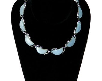 Vintage 1950s Light Blue Thermoset Necklace